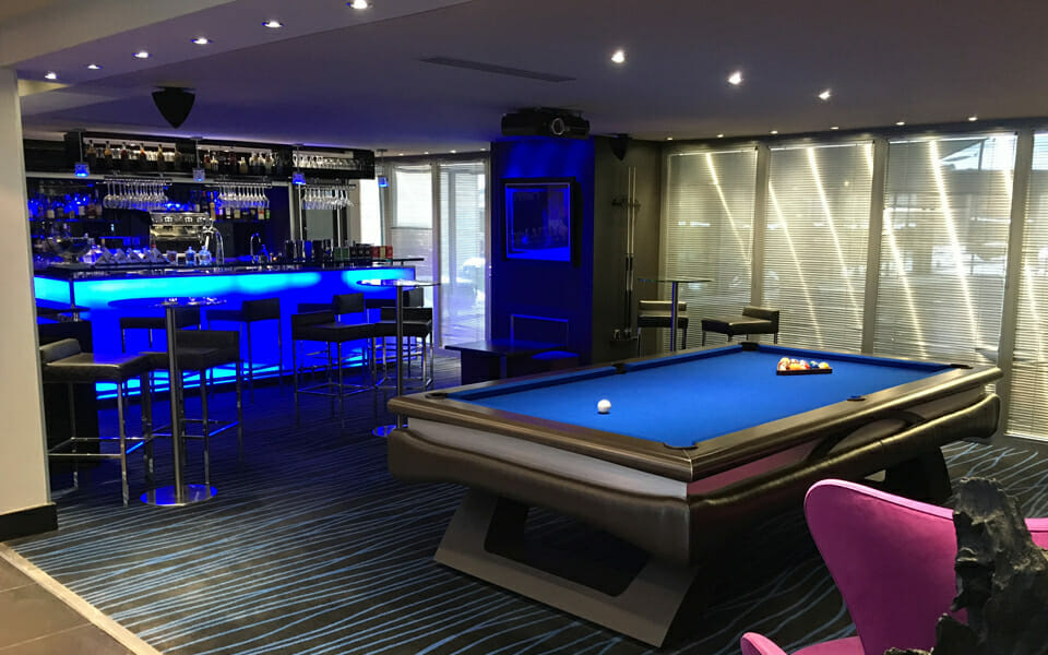 Billard-Bitalis-billards-OSL-Luxury-billard-competition-tapis-bleu