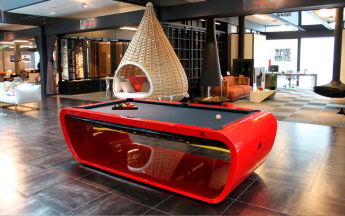 Billard-Blacklight-Billards-OSL-Luxury-billards-rouge