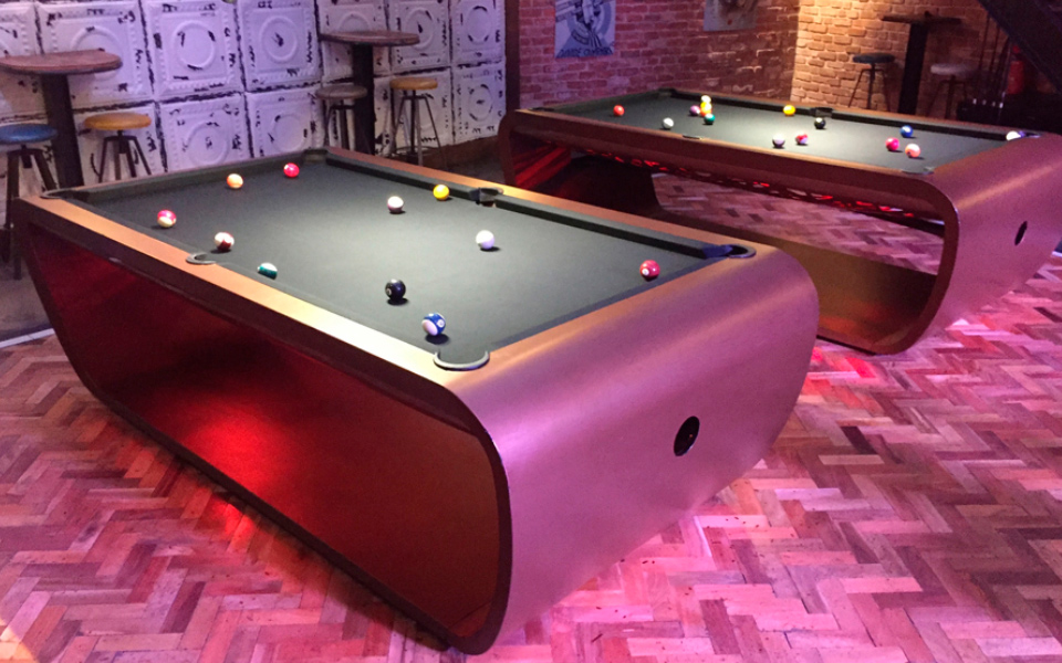 Billard-Blacklight-Billards-OSL-Luxury-billards-violet