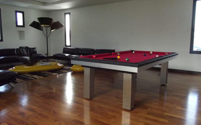 Billard-Full-Loft-Billards-OSL-Luxury-billards-tapis-rouge