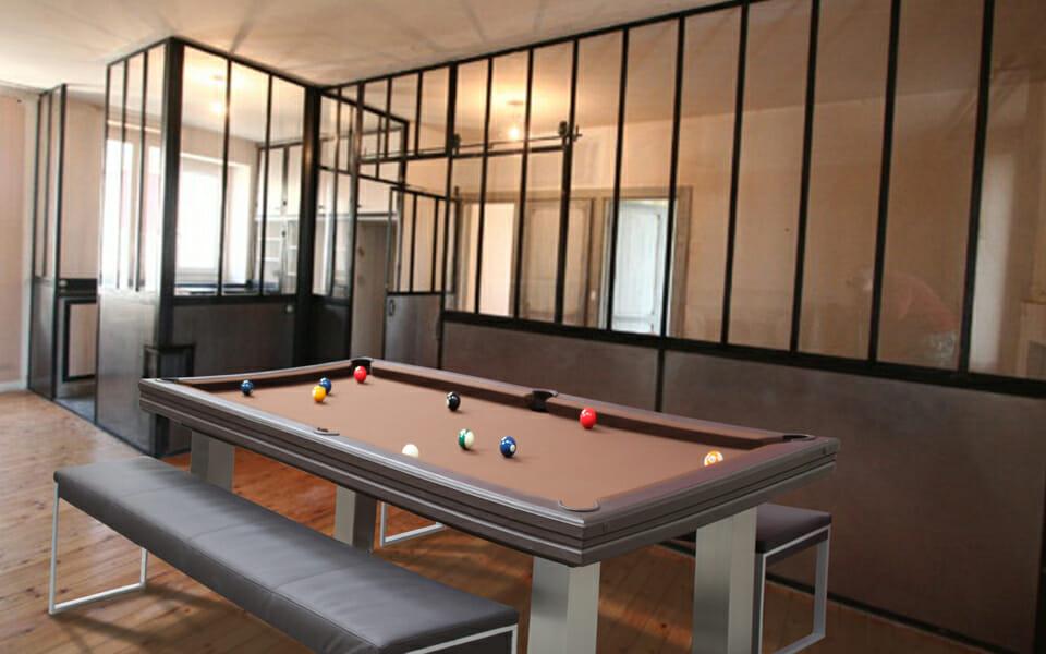 Billard-Loft-Billards-OSL-Luxury-billards-contemporain-billard-avec-bancs