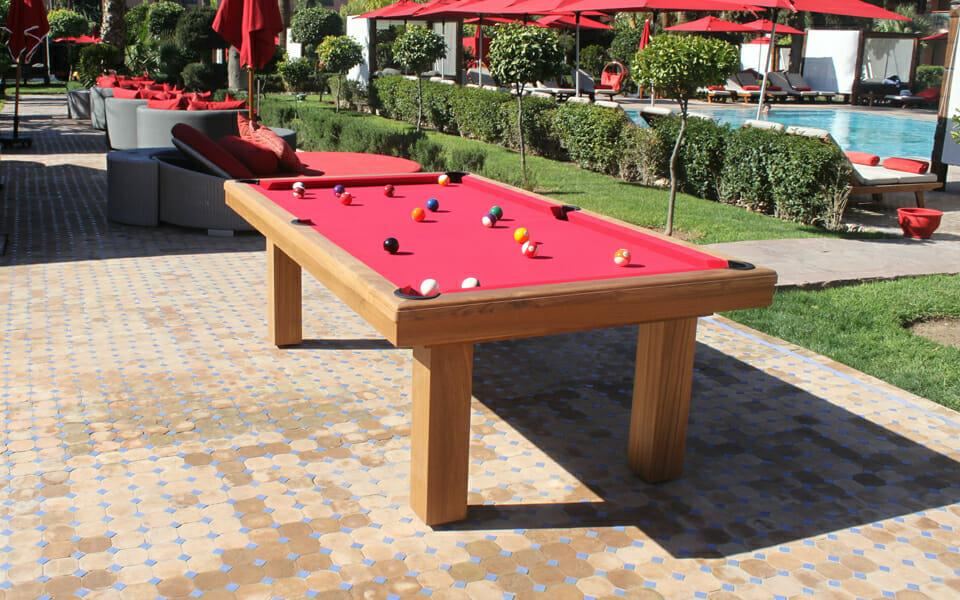 Billard-Teck-Billard-extérieur-OSL-Luxury-Billard-bois-tapis-rouge2